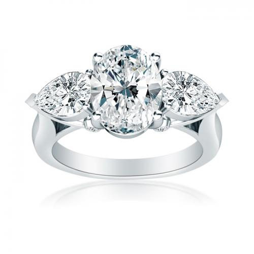 Three Stone Oval Shaped Diamond Engagment Ring With Pear